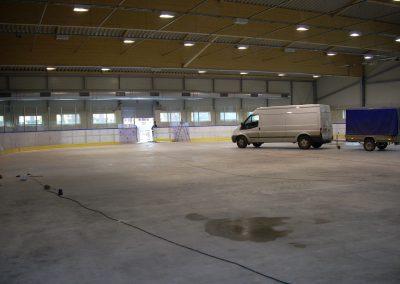 Montaż band na nowej płycie lodowiska TOR TOR