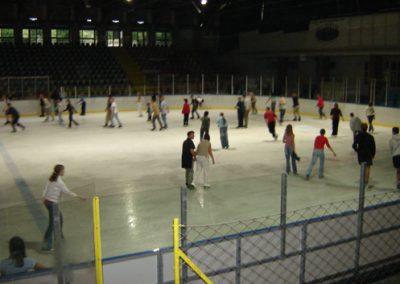 Toruń - lodowisko hokejowe 30x60m